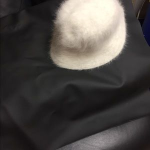 A fashionable hat for girls